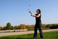 Jonglieren im Park